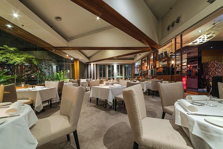 courgette-restaurant-garden-room-02
